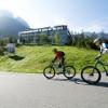 Biken unter der Herbstsonne in der Tiroler Zugspitz Arena