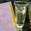 Mehrwochenschein bringt das Glück / Tipper aus NRW knackt Lotto-Jackpot (FOTO)