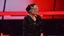 """Mit 94 auf der großen Showbühne! Essener Talent Cilli will als weltweit älteste Teilnehmerin bei """"The Voice Senior"""" mit """"Der erste Lack ist ab"""" überzeugen – am Sonntag, 24. November, in SAT.1 (FOTO)"""