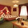 Auf Rosen gebettet und mit romantischen Arrangements verwöhnt – in der »Rosentraum-Suite« ab 02. Januar 2013